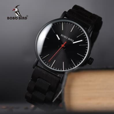 Men's metal watch with wooden bracelet