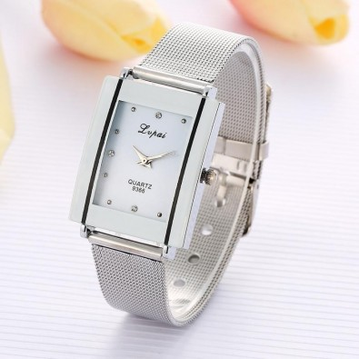 Woman's watch with rectangular metal case